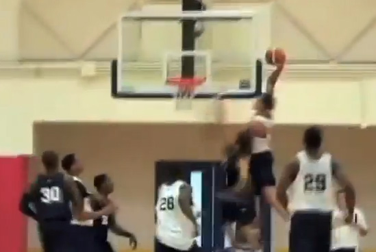 Aaron Gordon 1 hand alley-oop dunk at USA Basketball scrimmage