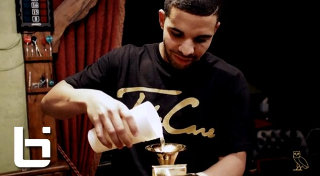 drake-drinks-from-grammy