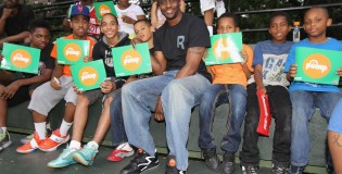 44 year old 6'0″ Dee Brown pumps up his Reebok kicks and dunks at Rucker Park Dunk Contest