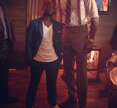 Questlove decapitates Dwight Howard to take a pic of Kevin Hart