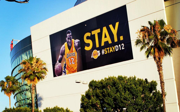 dwight-howard-stay-with-lakers