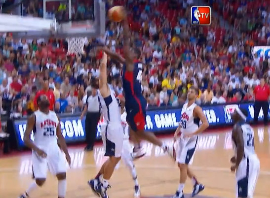 Harrison Barnes posterizes Ryan Anderson at Team USA Scrimmage