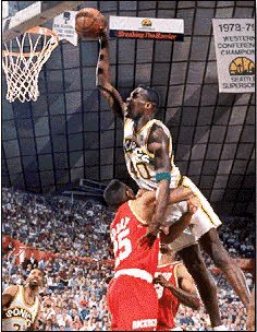shawn kemp dunks on robert horry (1)