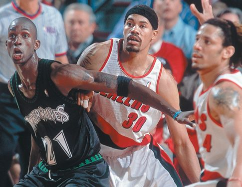 Flashback Friday: 1999 Wolves vs Blazers highlights
