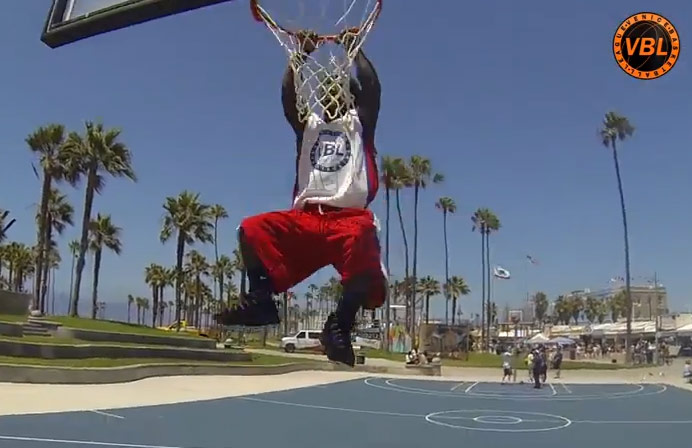 "4'5″ Mani Love shows off his ""75 inch vert"" 