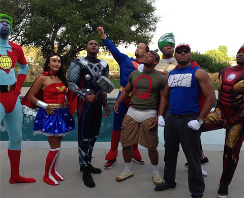 Blake Griffin (Bane), DeAndre Jordan (Captain Planet) & Matt Barnes (Blank Man) dress up as Superheros for Labor Day