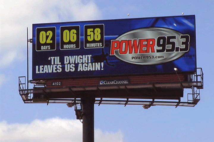 dwight-howard-leaves-again-billboard-0310