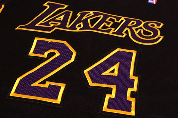 Lakers unveil new black Hollywood Nights jerseys via social networks
