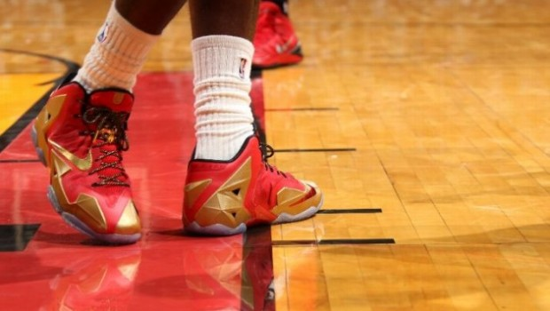 Lebron James- Nike 11's