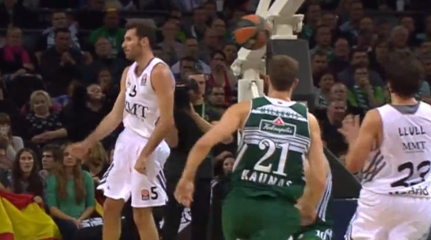 Euro Assist of the Night: Rudy Fernandez with the no-look touch pass