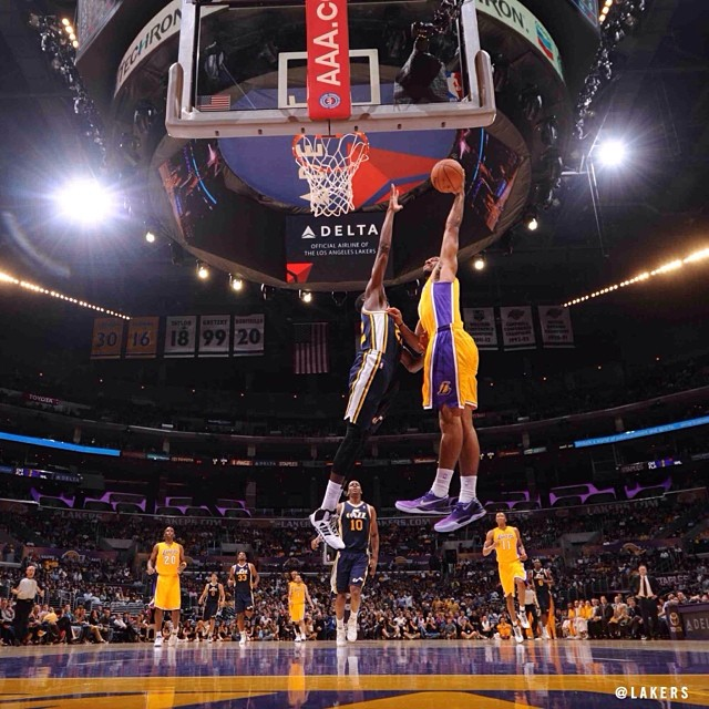 Lakers Xavier Henry po...