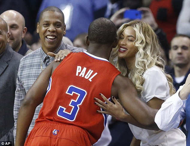 Beyonce & Jay-Z at OKC game | Jay high fives $20k half-court shot winner & gets made fun of by Barkley