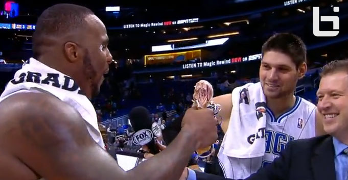 "Glen ""Big Baby"" Davis carves THEN EATS a turkey leg after the Magic game"