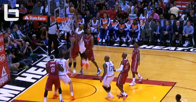 Markieff Morris takes flight over Birdman Anderson