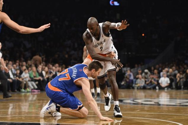 Andrea Bargnani gets ejected for trash talking Kevin Garnett…in Italian?