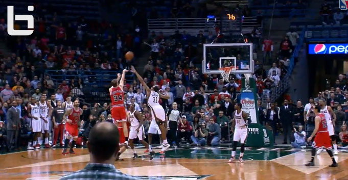Bulls' Mike Dunleavy and Hawks' Al Horford hit game winning shots