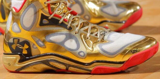 stephen curry shoes gold