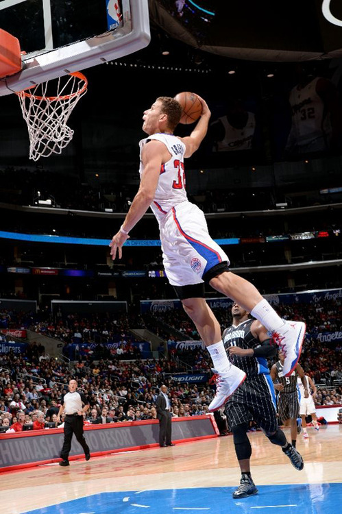blake griffin gets fancy with his ball handling skills  u0026 a