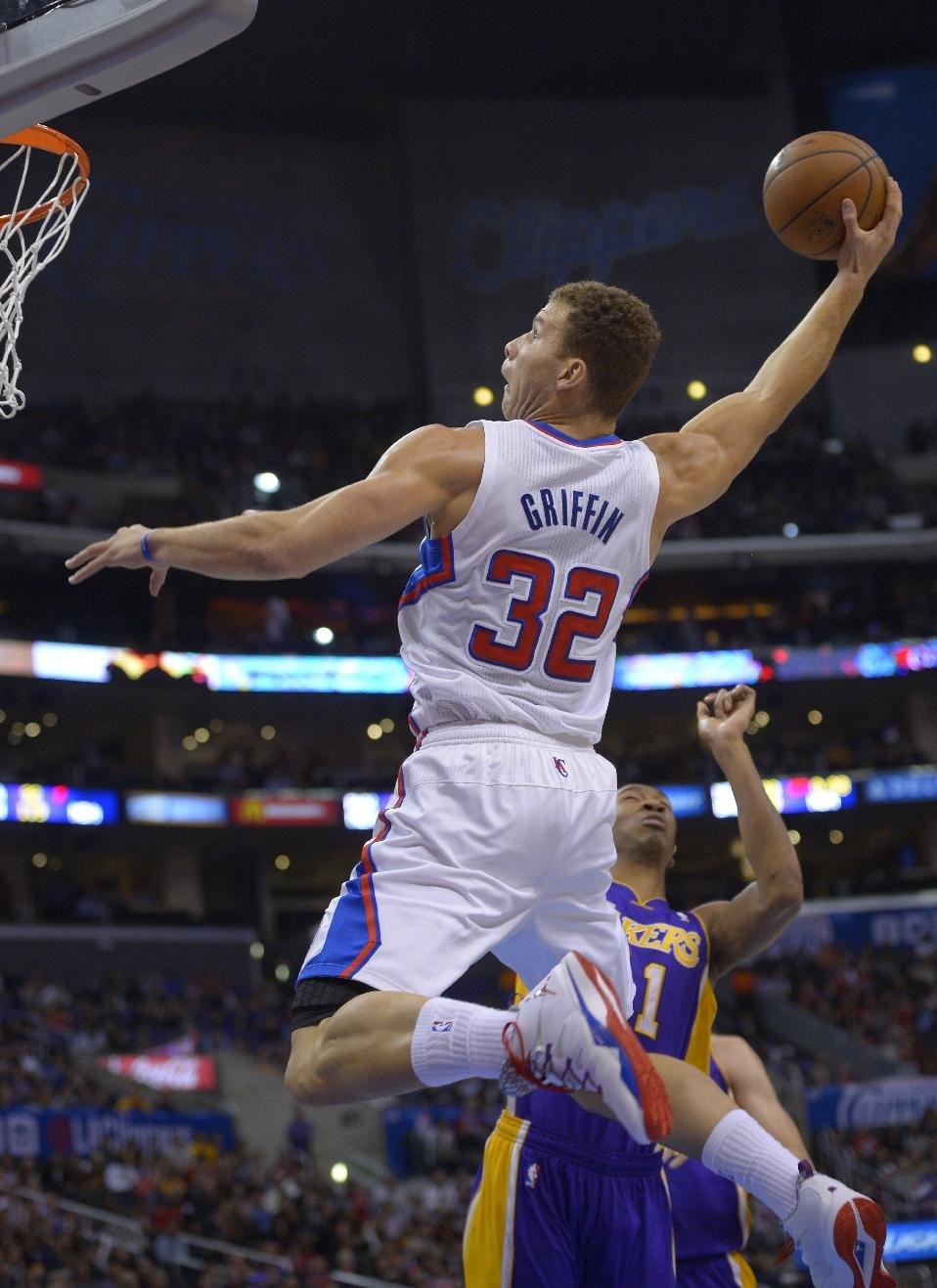 Blake Griffin dunks on Kaman & dominates the Lakers