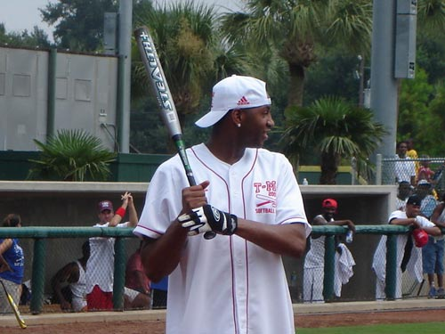 Tracy McGrady is making a come back….as a baseball pitcher in Sugarland?