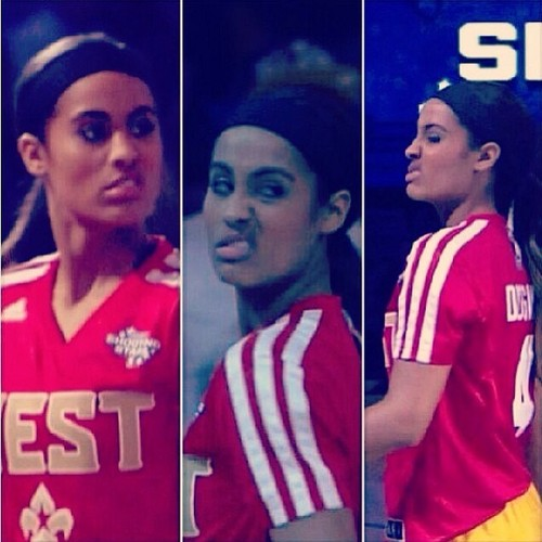 Skylar Diggins Mean Muggin in the Shooting Stars contest
