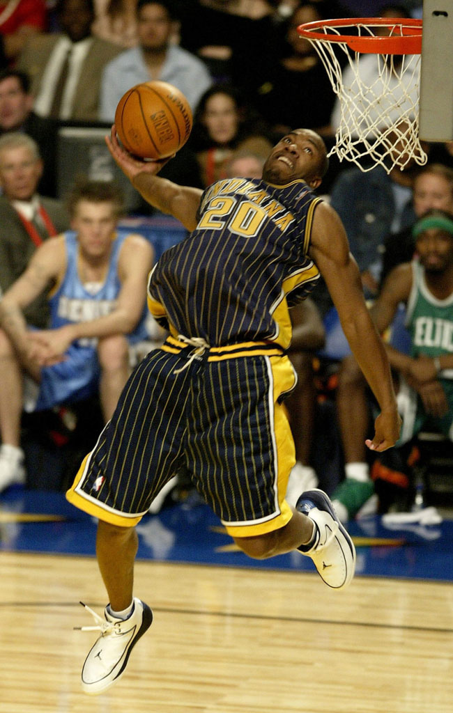 2004-fred-jones-air-jordan-nu-retro-2