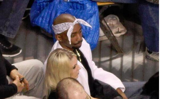 Tupac makes an appearance at the Boston Celtics Game | 2pac's best hoop pics