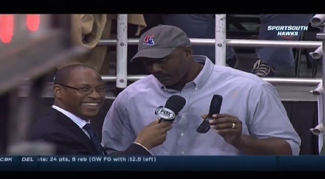 Karl Malone explains why he still has a flip phone