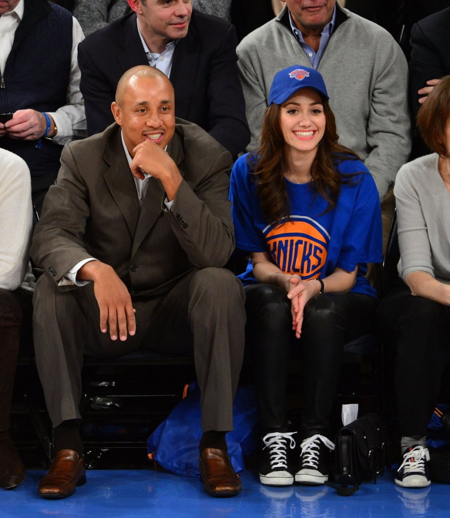 emmy-rossum-thunder-vs-knicks-game-in-ny_030713_06