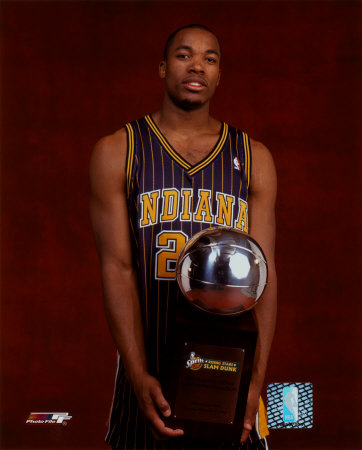 fred_jones_04_all_star_game_with_dunk_trophy_photofile