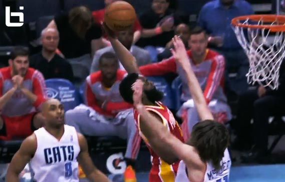 James Harden scores 31 & dunks on Josh McRoberts