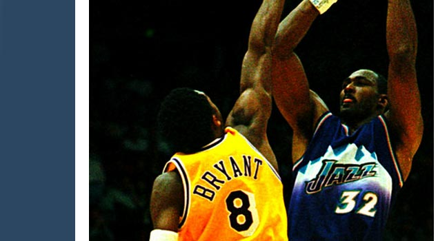Photo: Kobe tries to block Karl Malone