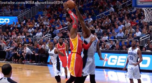 Kyle O'Quinn rejects Dwight Howard's jump hook
