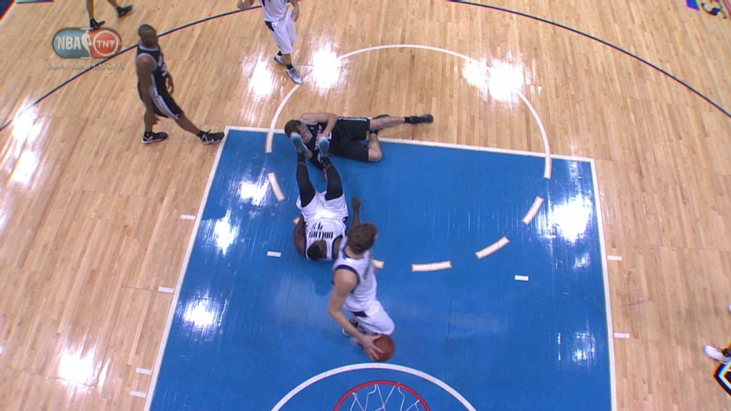 DeJuan Blair Ejected After Kicking Tiago Splitter in the Head