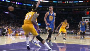 Curry Behind-the-back Pass