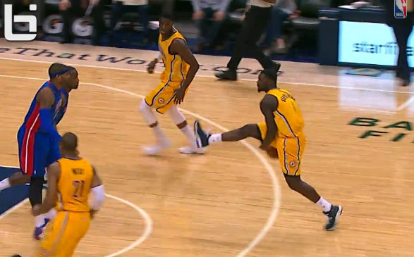 Lance Stephenson's between the legs pass pays tribute to Skip & the original And1 Mixtape