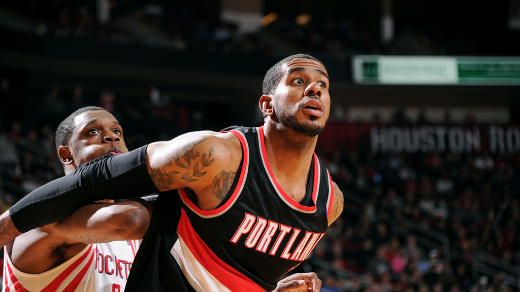 LaMarcus Aldridge Explodes again as Blazers beat Rockets in Game 2