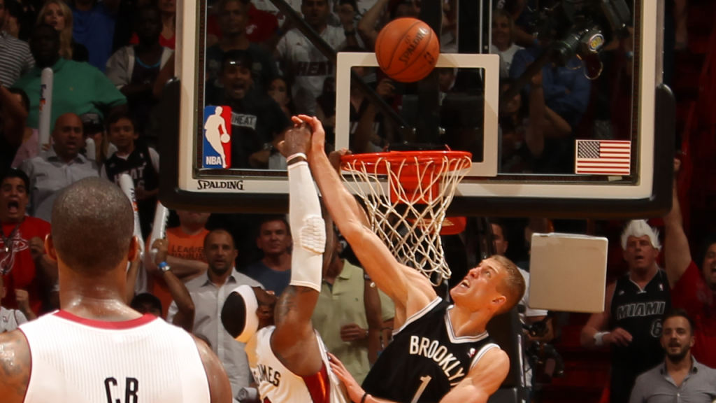 Mason Plumlee Rejects LeBron James' Dunk to Seal the Game