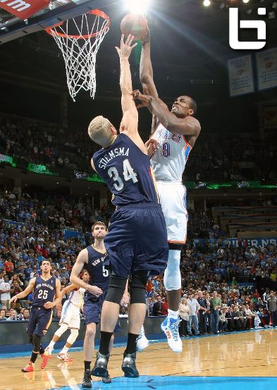 Serge Ibaka posterizes Stiesma for the 1st points of the game