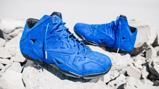 nike-lebron-11-ext-blue-suede-00