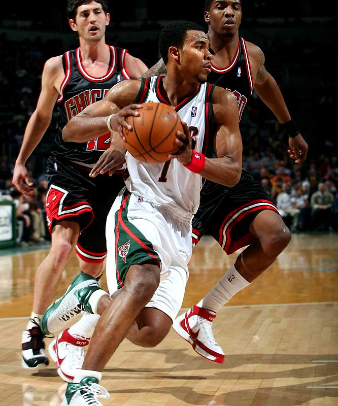 (4.14.08) Rookie Ramon Sessions had 20 pts & 24 asts in a 135-151 loss to the Bulls