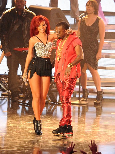 rihanna-and-kanye-west-at-the-nba-all-star-game--1298285954-view-2