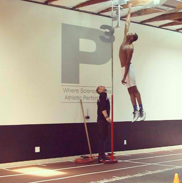 Andrew Wiggins Shows Off  His 44 Inch Vertical