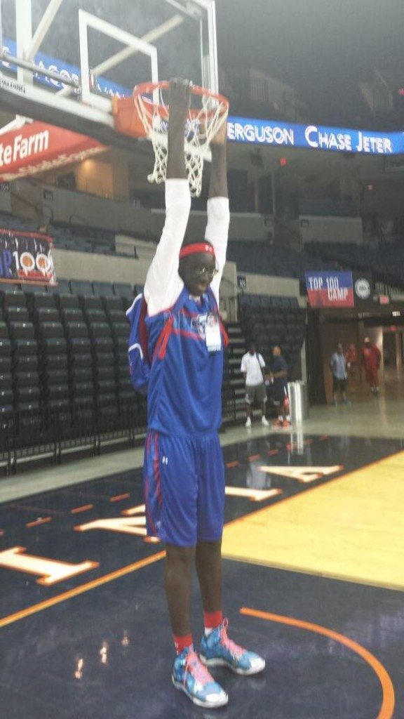 """18 year old """"Tacko"""" Fall is 7'5, can grab the rim without jumping & is still growing!"""