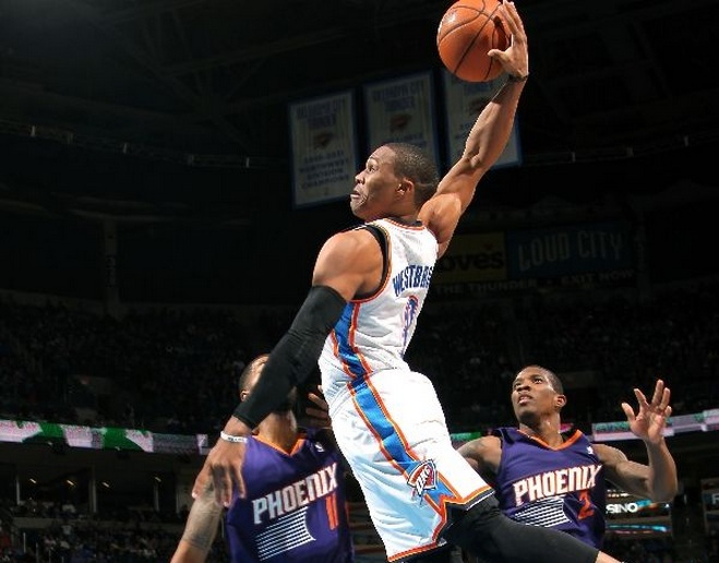 russell-westbrook-dunk-vs-phoenix