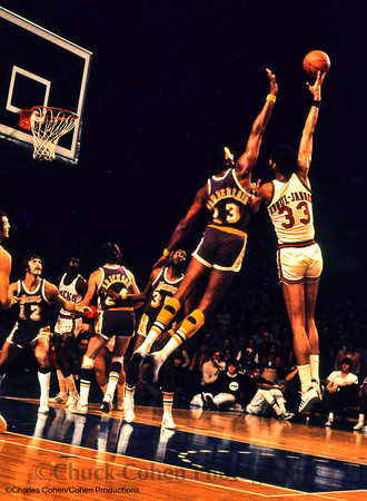 Why did the 76ers trade Wilt for Jerry Chambers, Archie ...