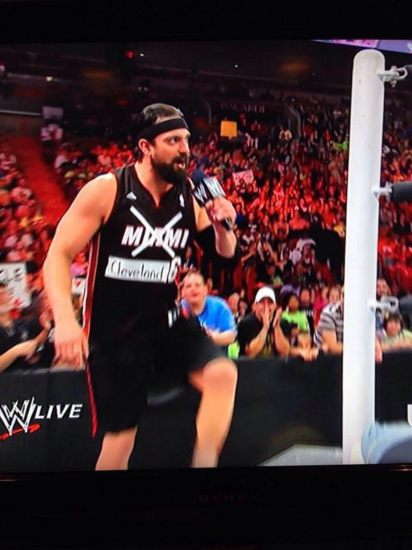 WWE Wrestler Damien Sandow trolls Miami Heat fans during Monday Night Raw