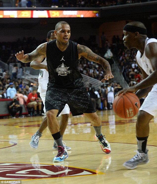 Chris Brown dunking & Bone Collector breaks Trey Songz ankles at Power106 celeb game (Game, Ariana Grande, Airdogg, Tyga)