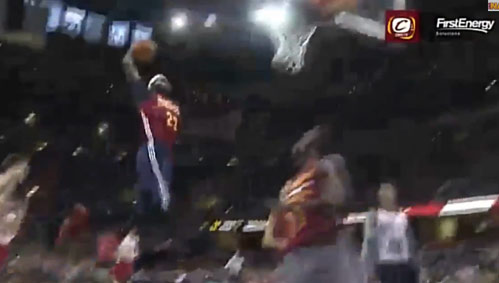 Kyrie Irving Between the Legs Pass to LeBron for the Vicious Dunk at Cavs Scrimmage