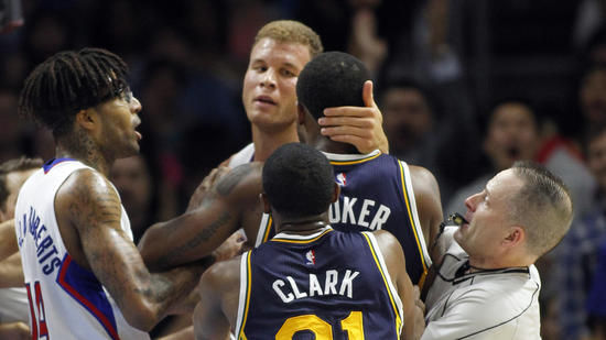 Blake Griffin allegedly slapped some guy (sorry it's still not Justin Bieber) at a club